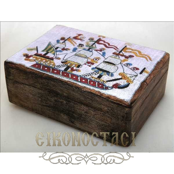 WOODEN STORAGE BOX WITH A SHIP (R33_2)