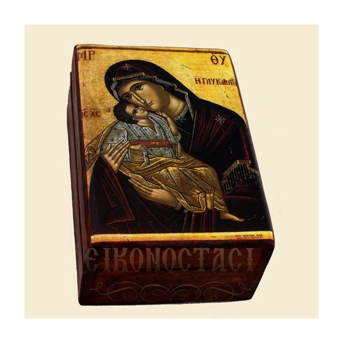 WOODEN STORAGE BOX WITH A DISPLAY OF MOTHER OF JESUS 549
