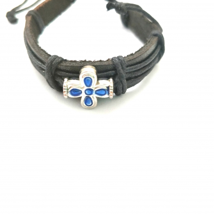 LEATHER BRACELET WITH METALLIC CROSS 1